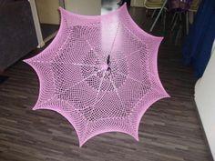 Gehaakte roze parasol