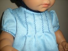 Abuelita Ana: Abuelita...¿me haces ropita para mi bebé? / Granny... will you make me some clothes for my baby?
