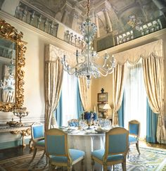 Four Seasons Firenze. It is hard to believe some people have the money to spend up to almost 6,000 USD to stay here a night! Where is my billionaire husband??