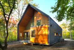 Charming Timber Matchbox House in Michigan is on Track for LEED Platinum