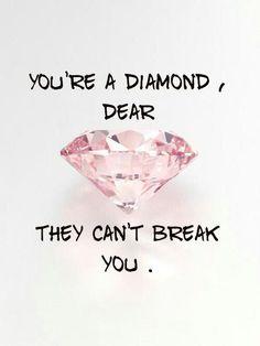 Du är min diamant! Den som fortsätter gnistra när allt annat är grått och trist💎 Låt inte denna sommar förstöra dig. Väldigt snart är jag i din famn igen👫