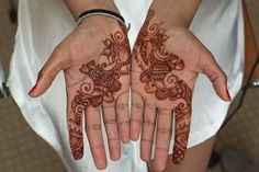 delicate henna for the bride - Sri Lankan Wedding | Weddings by Fluke