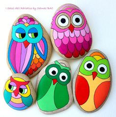 Inspiration - how to start the fancy owls - Zeu Sidius Painted Rock Animals, Painted Rocks Craft, Hand Painted Rocks, Rock Painting Patterns, Rock Painting Ideas Easy, Rock Painting Designs, Stone Art Painting, Pebble Painting, Pebble Art
