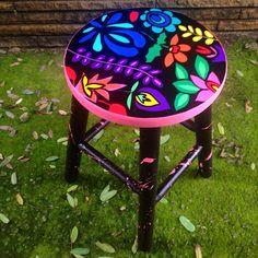 Banqueta floral pattern www.juamora.com #banqueta #stool #floral #pattern #juamora