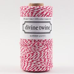 Bakers twine Rouge cerise Bobine de 220 mètres de bakers twine rouge et blanc. Superbe qualité de coton fabriqué au USA. 14,90€