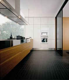 Fitted kitchens | Complete kitchens | Minimal | Varenna Poliform. Check it on Architonic