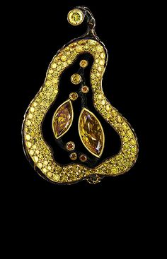 Jewellery Theatre: Jewellery Caravaggio Pendant, diamonds, gold.