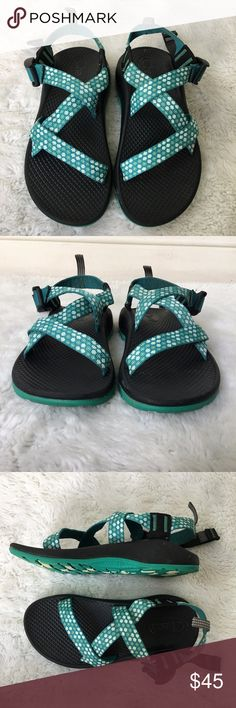 a345a23e2a16 Chaco Kids Z1 Strappy Sandals 2 Flowers Green Pre-owned authentic Chaco Kids  Z1 Strappy
