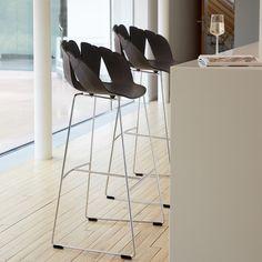 Découvrez nos meilleurs mobiliers et produits déco : Chaises de bar, SALON ET SALLE À MANGER - Paire de chaises de bar BALI. Enfin du design pas cher et de qualité.