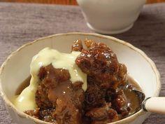 Dadelpoeding met gemmerstroop Banana Pudding Recipes, South African Recipes, Dessert Recipes, Desserts, Tart, Sweet Treats, Beef, Food, Apple