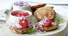 Opskrift: De små, delikate pandekager, blinis, er perfekte til forret, men prøv dem også som snack eller til frokost