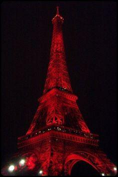 mistymorrning:    paris under red lights….