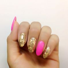 Neon pink and glittery gold nail art - so fab #wedding #nailart #pink #gold #glitter