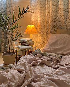 Room Ideas Bedroom, Bedroom Inspo, Bedroom Decor, Dream Rooms, Dream Bedroom, Pretty Room, Dream Apartment, Aesthetic Room Decor, Cozy Room