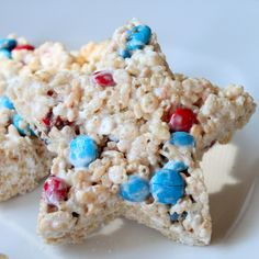 4th of July Rice Krispie Treats...I just might make these this year!