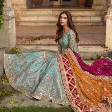 Bridal wear Lehenga Customized with a 7 days Pakistani Formal Dresses, Pakistani Wedding Outfits, Pakistani Bridal Dresses, Wedding Dresses For Girls, Pakistani Dress Design, Bridal Outfits, Indian Dresses, Pakistani Mehndi, Pakistani Clothing
