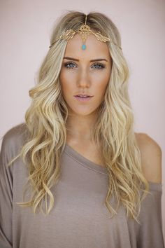 This could totally work for our shoot! Gold Leaf Headpiece Chain Headband Turquoise Boho by ThreeBirdNest Chic Hairstyles, Pretty Hairstyles, Fashion Hairstyles, Updo Hairstyle, Elegant Hairstyles, Bride Hairstyles, Hairstyle Ideas, Boho Makeup, Hair Makeup