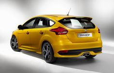Ford Focus ST 5 doors Photos and Specs. Photo: Ford Focus ST 5 doors cost and 26 perfect photos of Ford Focus ST 5 doors Ford Focus 2014, New Ford Focus, Ford Rs, Car Ford, Top 10 Sports Cars, Lifted Ford Trucks, Ford Fusion, New Engine, Ayrton Senna