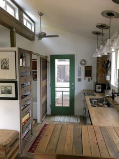 In this post I get to show you the basics of how to build a tiny house on wheels. The Brevard Tiny House Company is working on their second project called Robins Nest. This is a tiny home on a trai… - Small Tiny Houses Tiny House Company, Tiny House Swoon, Small Tiny House, Modern Tiny House, Tiny House Living, Small Houses On Wheels, Tiny Houses For Sale, Little Houses, Building A Tiny House