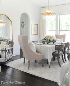With fall fast approaching, it is time for an updated fall home tour! This season, I am incorporating my new favorite decorating color: blue! Elegant Dining Room, Dining Room Design, Dining Rooms, Interior Styling, Interior Decorating, Kitchen Arrangement, Blogger Home, Transitional Decor, Living Room Kitchen
