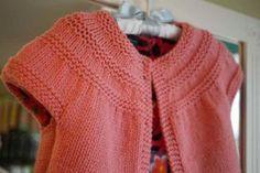 Patrones que hacen punto para los suéteres del bebé gratis principiantes