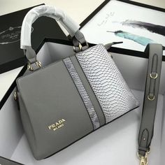 Welcome to Hnadbags . Here you will discover luxury bags, pretty handbags, funky Here you will uncover luxury totes, Here you will find luxury purses designer, Here you will uncover luxury totes. Unique Handbags, Popular Handbags, Fall Handbags, Trendy Handbags, Cute Handbags, Cheap Handbags, Chanel Handbags, Fashion Handbags, Fashion Bags