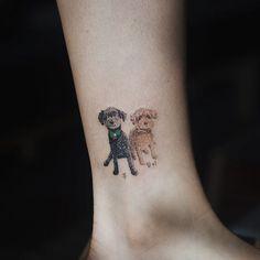 Sol Art Tattoo  두 푸들. 목에는 리본 . . #tattoo#tattooist#tattooistsol#솔타투#lettering#soltattoo#color#colortattoo#꽃타투#반려견타투#dogtattoo#타투#솔타투#타투이스트솔