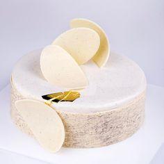 """3,437 mentions J'aime, 14 commentaires - KB-Gourmandises (@karim.bourgi) sur Instagram : """"Entremet Vanille 100%: biscuit moelleux à la vanille de Tahiti- croustillant duja vanille- crémeux…"""""""