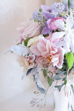 Life is a bouquet, we're always making arrangments, God is a better floral designer. Pastel Bouquet, Pastel Flowers, Flower Bouquet Wedding, Fresh Flowers, Beautiful Flowers, Spring Flowers, Lavender Bouquet, Spring Blooms, Beautiful Mess