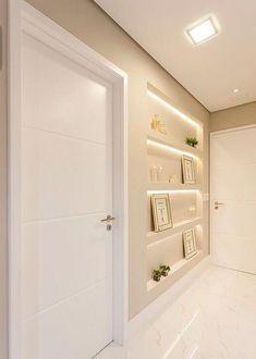How to decorate narrow aisles Home Room Design, Home Design Plans, Home Interior Design, Living Room Designs, Interior Doors, House Ceiling Design, Home Ceiling, House Design, Hallway Decorating