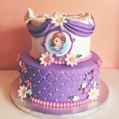 Princess Sofia cake for a little princess! Princess Sofia Cake, Princess Sofia Birthday, Sofia The First Birthday Cake, Sophia Cake, Princesa Sophia, Prince Cake, Cake Decorating Piping, First Birthday Party Decorations, Themed Cakes