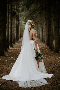 weddingdress classic Long wedding ve - Wedding Hire, Wedding Songs, Wedding Veil, Wedding Vendors, Wedding Couples, Fall Wedding, Country Wedding Dresses, Best Wedding Dresses, Bridal Looks