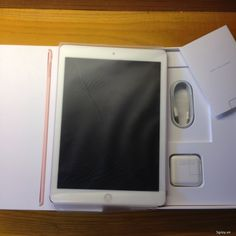 Bán Ipad Pro 32gb 9.7inch 4g wifi mầu vàng hồng Fullbox mới tinh BH dà