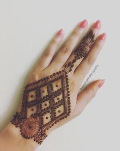 131 Simple Arabic Mehndi Designs That Will Blow Your Mind! Pretty Henna Designs, Mehndi Designs For Kids, Floral Henna Designs, Simple Arabic Mehndi Designs, Henna Tattoo Designs Simple, Back Hand Mehndi Designs, Beginner Henna Designs, Latest Bridal Mehndi Designs, Mehndi Designs 2018