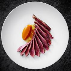 407 mentions J'aime, 11 commentaires – Michel der Gaspard (@micheldergaspard) sur Instagram : « Beautiful dish of wild duck with pumpkin and arabica by @bobech » Meat Recipes, Gourmet Recipes, Michelin Star Food, Modernist Cuisine, Culinary Arts, Food Plating, Plating Ideas, Food Presentation, Food Design
