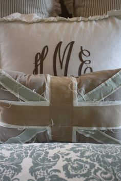 union jack inspired pillow ♥