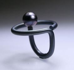 Ela Cindoruk & Nazan Pak : titanium, black pearl
