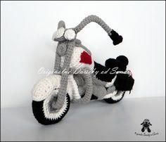 motorka HARLEY ... návod Snoopy, Christmas Ornaments, Holiday Decor, Pdf, Character, Home Decor, Christmas Ornament, Interior Design, Home Interior Design