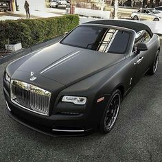 Matte Black Rolls-Royce • Thoughts on the wrap? #ExclusiveCars