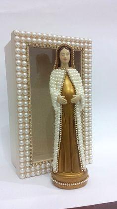 Nossa Senhora Grávida com pérolas  22 cm + Caixa Decorada