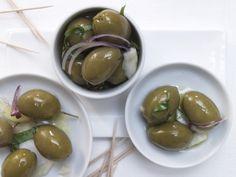 Do It Yourself: Marinierte Fenchel-Oliven mit Knoblauch und Orange - smarter - Kalorien: 137 Kcal - Zeit: 25 Min. | eatsmarter.de