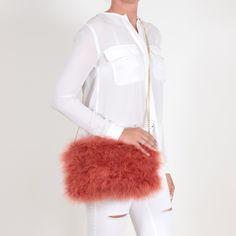 EYES ON MISHA bolso de plumas La Fiffi naranja tostado Bell Sleeves, Bell Sleeve Top, Tops, Women, Fashion, Feather Fashion, Ostrich Feathers, Orange, Fur