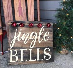 Christmas Wooden Signs, Christmas Wood Crafts, Farmhouse Christmas Decor, Homemade Christmas, Rustic Christmas, Christmas Art, Christmas Projects, Holiday Crafts, Christmas Holidays