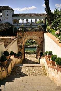 Spain Travel Inspiration - Generalife, Alhambra, Granada, Spain