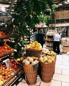 Dieses Bild einer gut sortierten Obstabteilung nutze ich um euch zu fragen: Was habt ihr denn in letzter Zeit so gehasst? #ExtraHass Instagram, Fruit, Pictures
