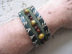 pine needle bracelets | Copyright 2011 Kelp Kreations. All rights reserved. Jewelry Patterns, Beading Patterns, Pine Needle Crafts, Doilies Crafts, Pine Needle Baskets, Textile Jewelry, Jewellery, Pine Needles, Textiles