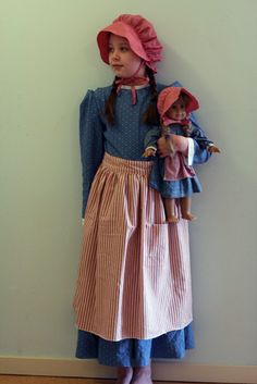Last spring Sadie asked for a Kirsten dress. I had just made some dresses that were for Little House play and living history visits and was a. Girl Doll Clothes, Diy Clothes, Modest Outfits, Girl Outfits, Fancy Dress, Dress Up, Pioneer Clothing, Pioneer Dress, Vintage Dresses