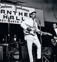 Waylon Jennings at Panther Hall in Fort Worth, Old Music, Music Mix, Country Artists, Country Singers, Fort Worth Stock Show, Hank Williams Jr, Waylon Jennings, Old Fort, Fort Worth Texas