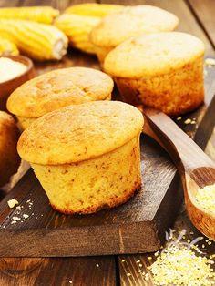 Muffins di mais al caciocavallo: una ricetta sfiziosissima, ottima per gustare una delle eccellenze tra i formaggi regionali italiani: il caciocavallo!