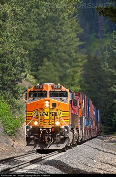 RailPictures.Net Photo: BNSF 5611 BNSF Railway GE AC4400CW at Merritt, Washington by Joel Hawthorn